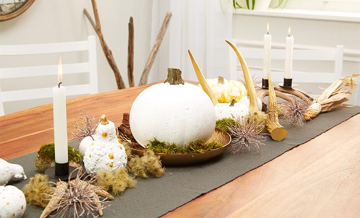 Herbstliche Tischdeko mit Kürbisse